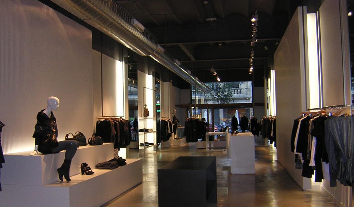 Reforma tiendas Barcelona ARKO, serra Claret